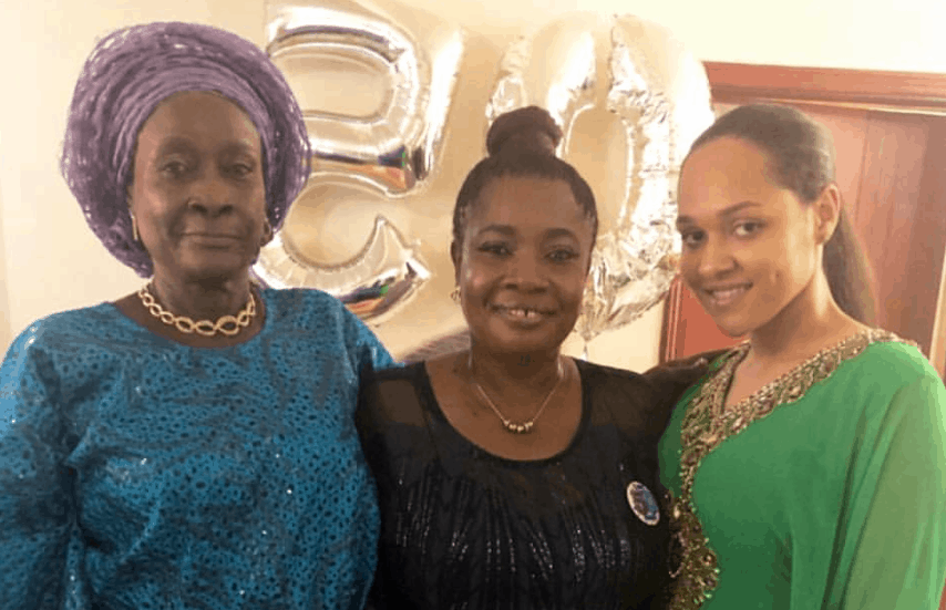 Tania Omotayo in adorable photo with mother and grandma